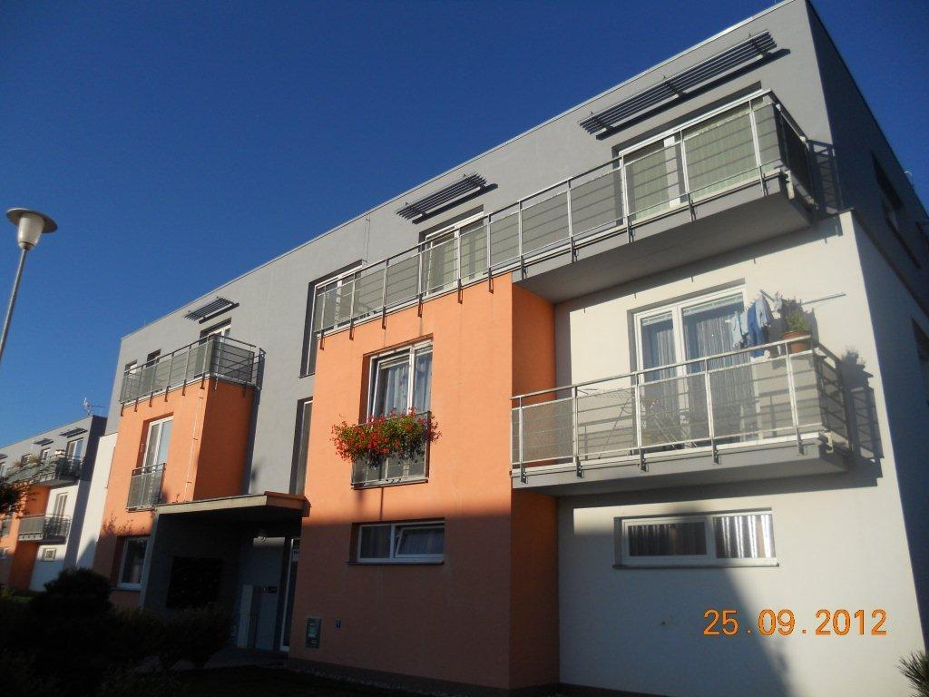 Rekonstrukce balkonů, obkladačské práce